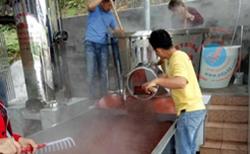 看雅大学员酿高粱酒全过程,高粱固态酿酒技术