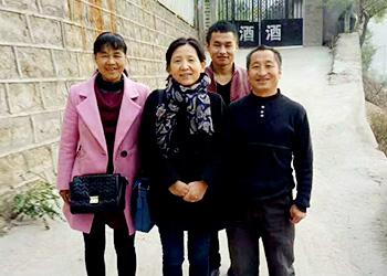50岁高阿姨借助不锈钢酿酒设备,带领当地百姓发家致富