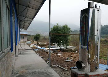 江华陈总引进做酒设备,解决上了年纪的村民就业难问题