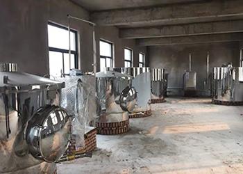 从事白酒行业10年的李总,为何要一次选购5套雅大大型酿酒设备?